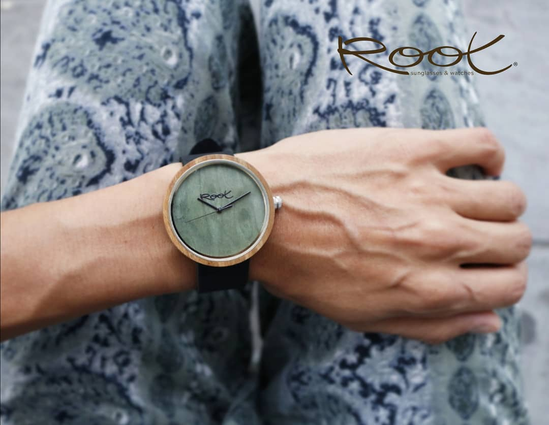 CUSTOM WOODEN WATCHES A GIFT TO BE REMEMBERED
