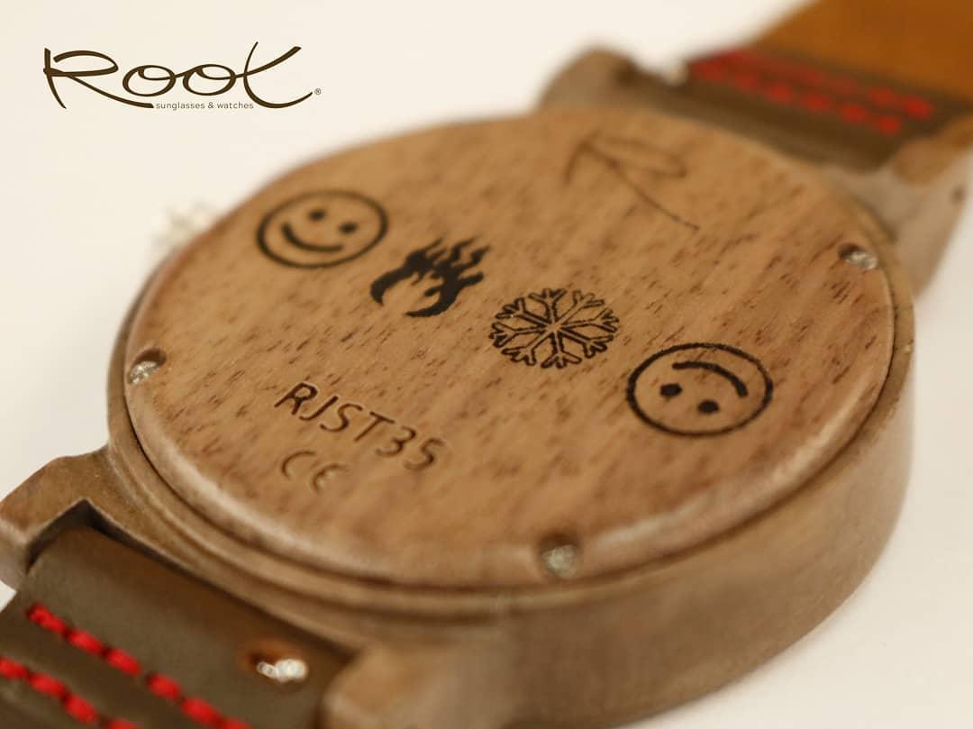 Relojes de Madera Personalizados un Regalo para ser Recordado. Root Sunglasses - Gafas y Relojes de Madera Natural.