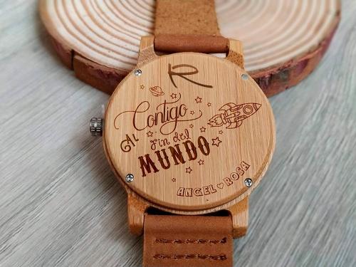 El Mejor Regalo: Reloj de Madera Personalizado. Root Sunglasses - Gafas y Relojes de Madera Natural.