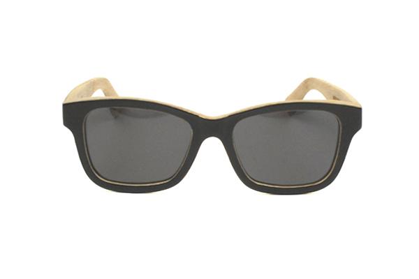 Gafas de sol de madera natural frontal negro solido lentes grises ROCK