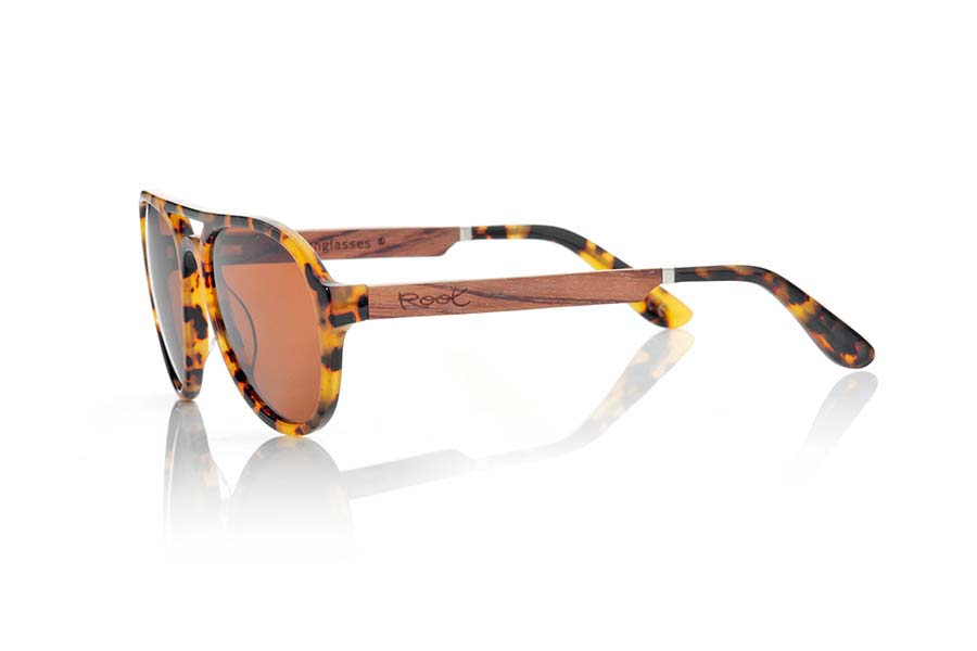 Wood eyewear of Ebony IGUAZU.   |  Root Sunglasses®