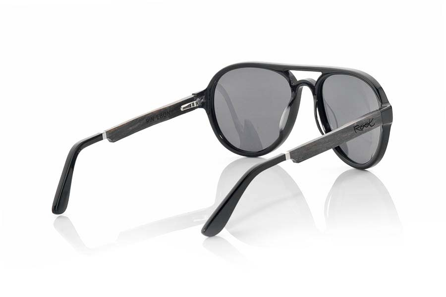 Wood eyewear of Ebony modelo RIN | Root Sunglasses®