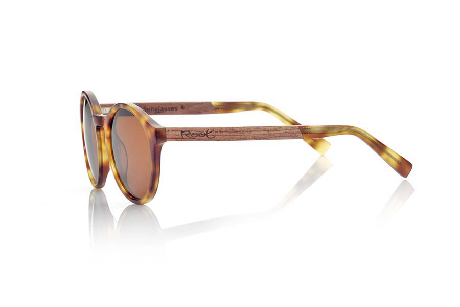 Wood eyewear of Rosewood modelo AKTUA | Root Sunglasses®