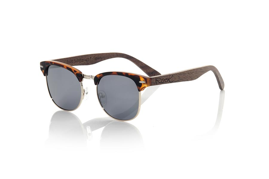 Wood eyewear of Walnut modelo PANA | Root Sunglasses®