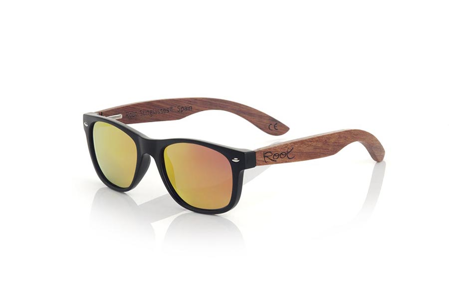Gafas de Madera Natural de rosewood modelo KID W BLACK | Root Sunglasses®