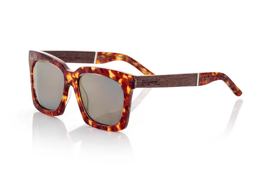 Wood eyewear of Rosewood modelo MADAGASCAR | Root Sunglasses®