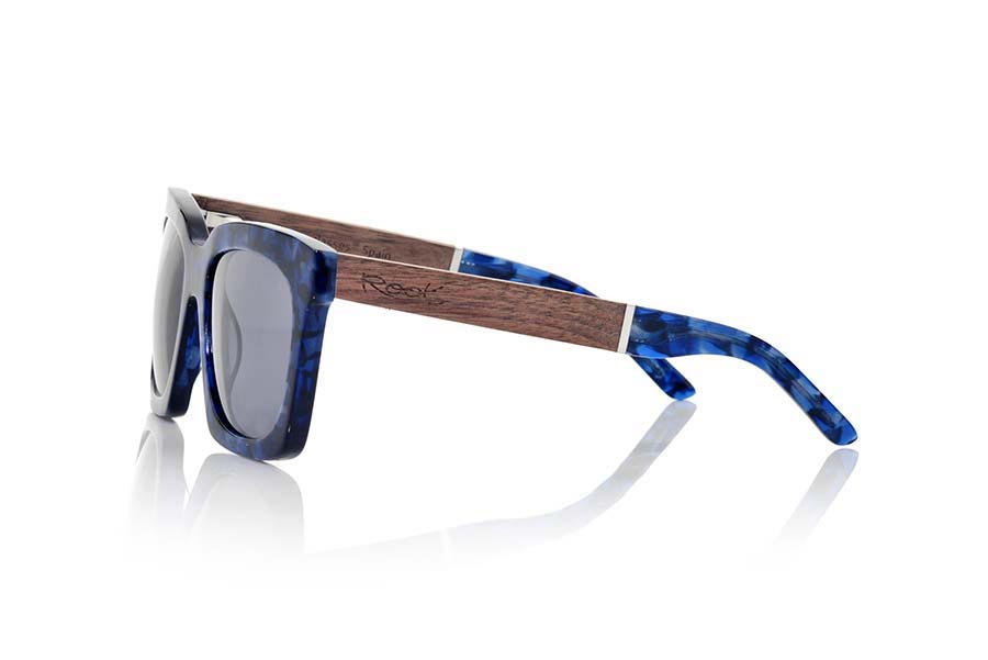 Wood eyewear of Rosewood modelo SAMOA | Root Sunglasses®