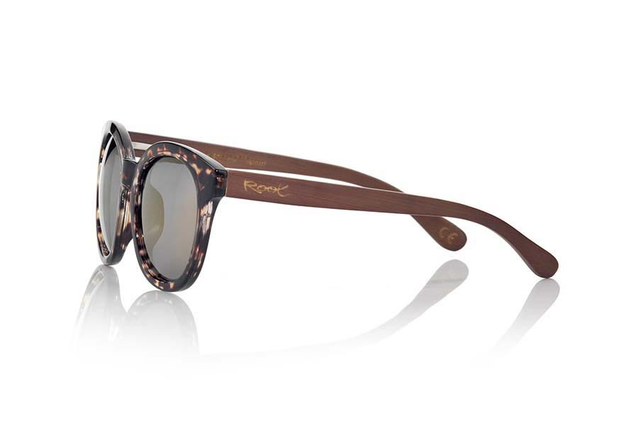 Wood eyewear of Bamboo modelo RIAHN | Root Sunglasses®