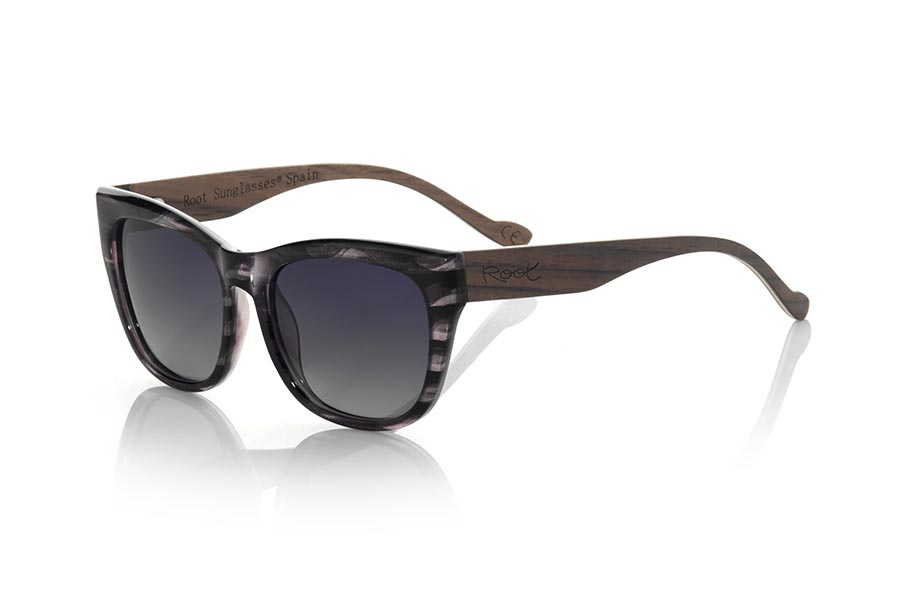 Wood eyewear of Walnut ESPARTEL | Root Sunglasses®