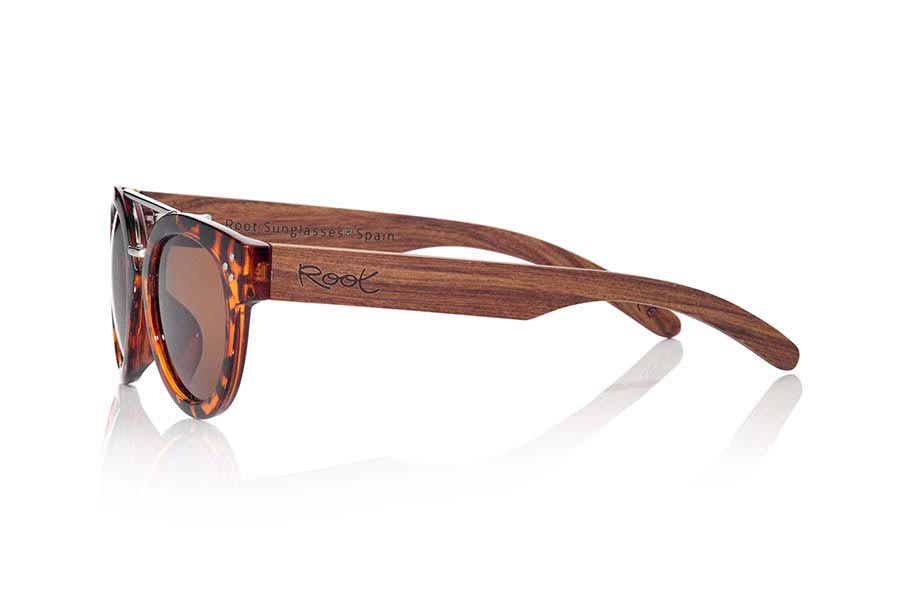 Wood eyewear of Rosewood ISLAND CAREY | Root Sunglasses®