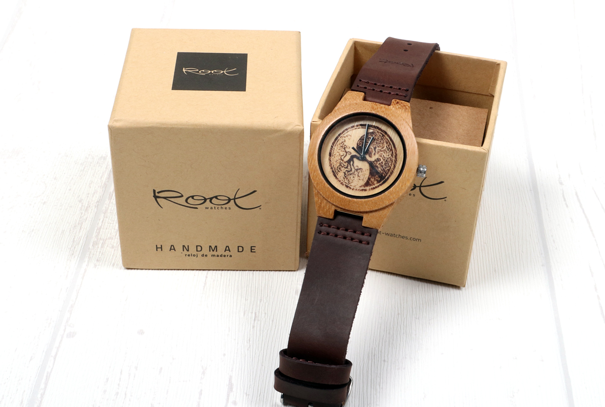 Root Sunglasses & Watches - Imagen grabada en dial
